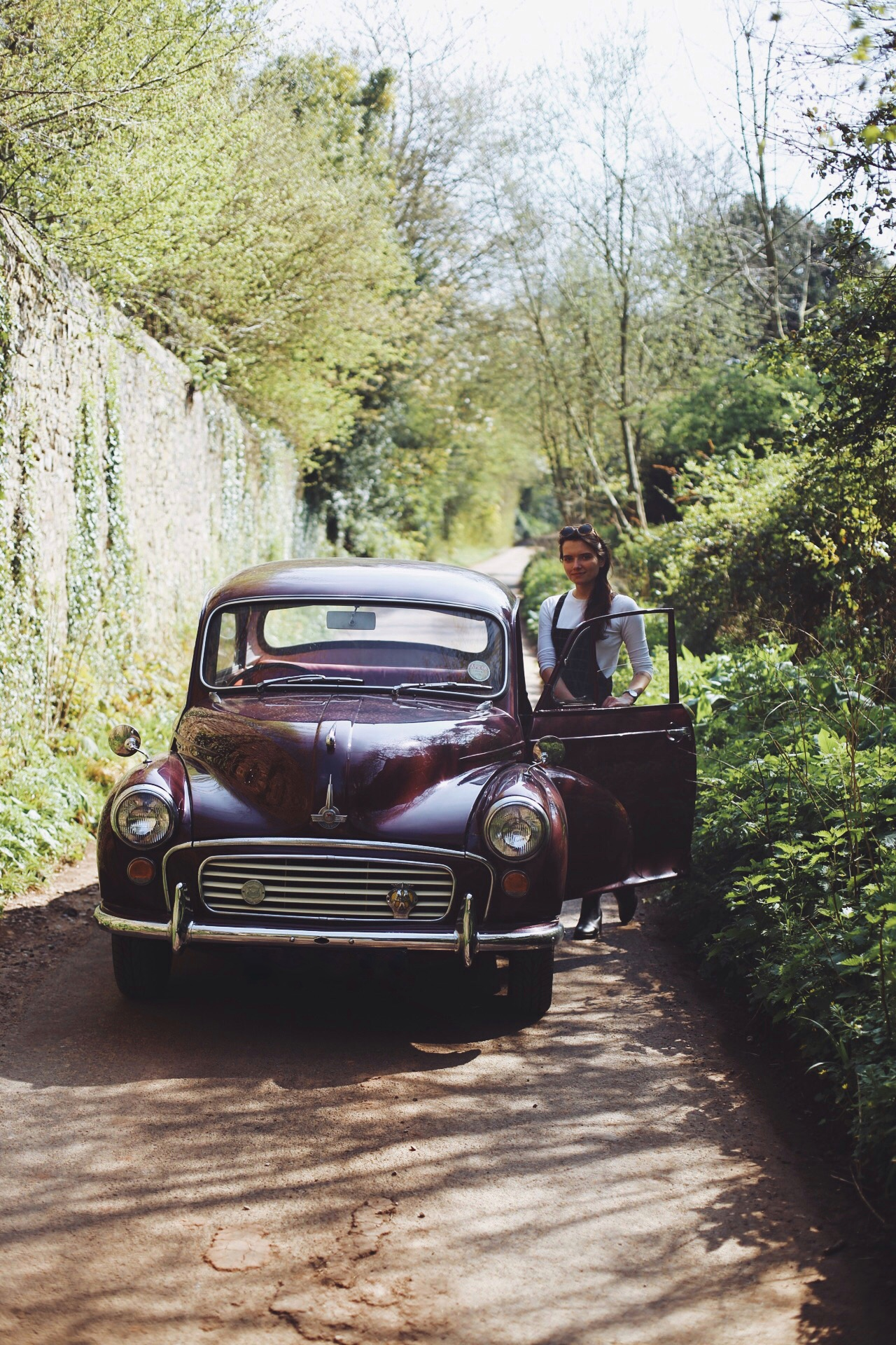 Morris Minor 1000 Saloon, Maroon
